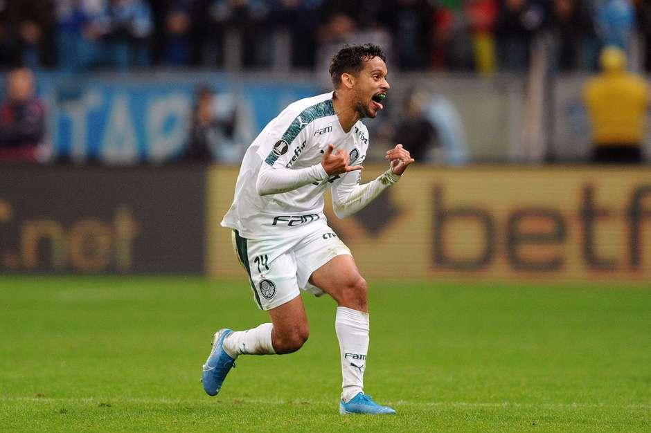 Gustavo Scarpa comemora o gol da vitória. Foto: Wesley Santos / Estadão