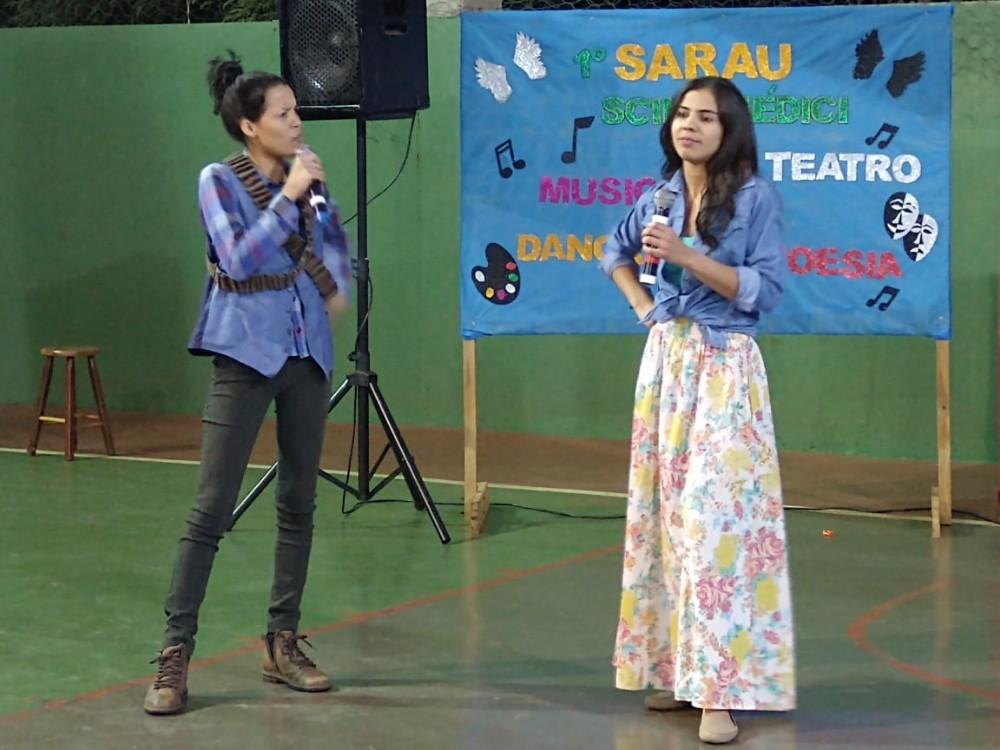 Deodápolis: E.E. Scila Médici realizou o 1º Sarau com música, teatro e poemas