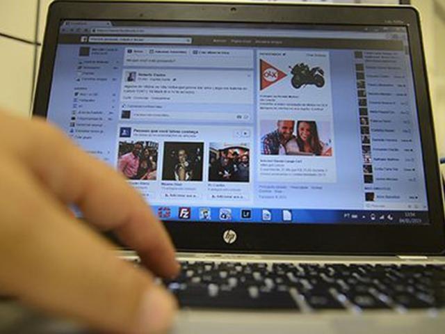 Tela de notbook conectado à rede social. (Foto: Marcello Casal Jr/Reprodução/AgênciaBrasil)