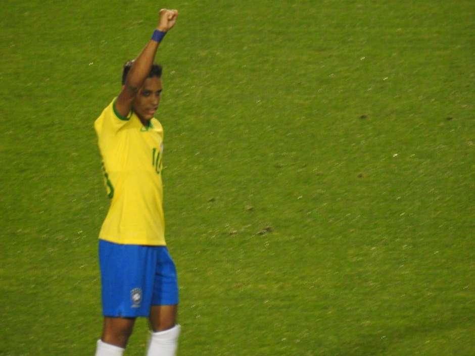 Pedrinho comemora gol pela seleção olímpica. Foto: Corinthians / Twitter