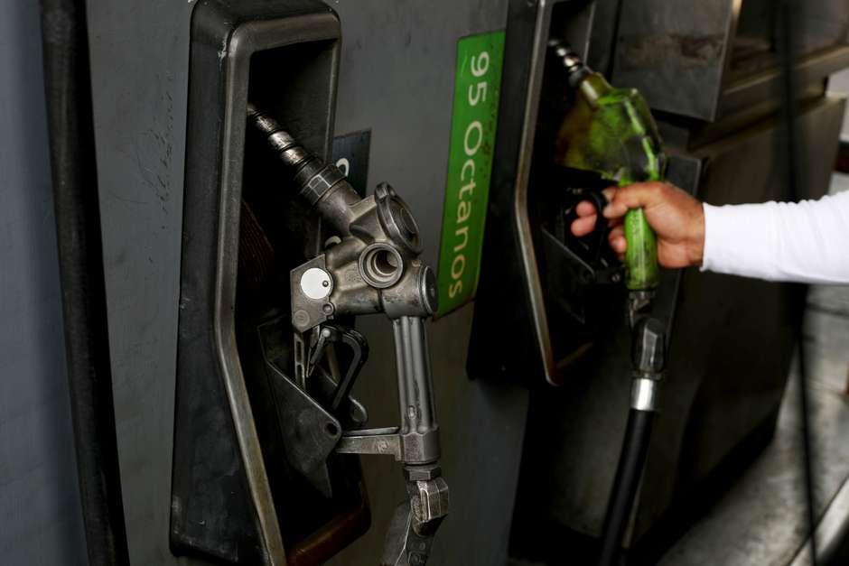 Gasolina ficará mais cara Foto: Reuters