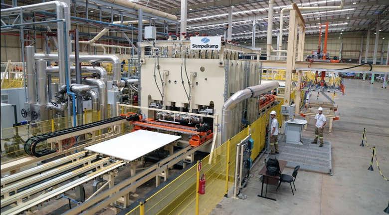 Industria foi o setor que mais gerou empregos formais em Mato Grosso do Sul