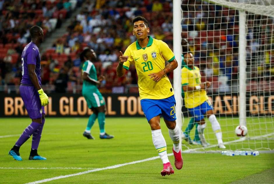 Roberto Firmino foi o autor do gol brasileiro Foto: Feline Lim / Reuters