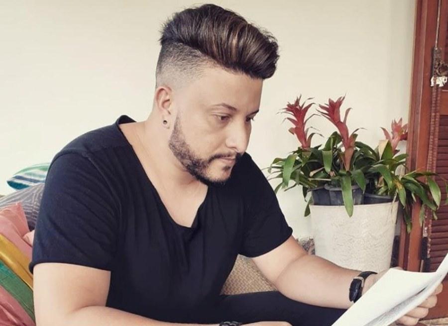 Manoel Tavares explica que 'Mil Vidas' foi composta em 2013, mas só agora a canção foi gravada e ganhou o clip - Imagem: Redes Sociais