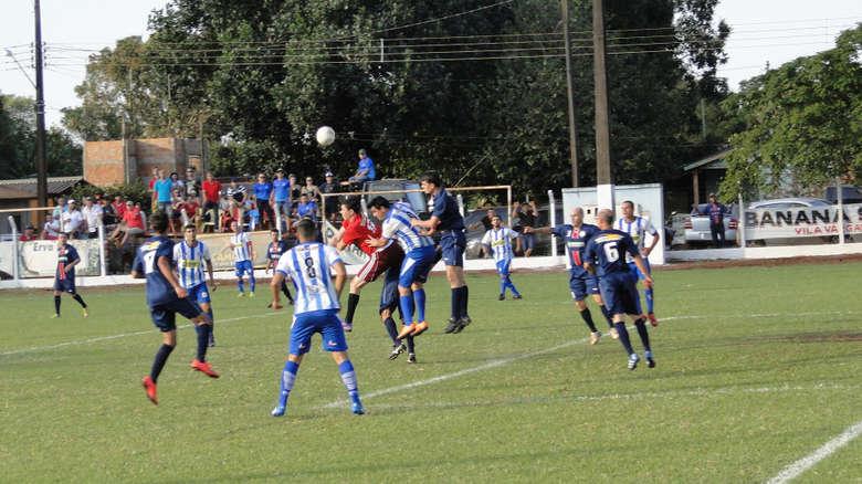 Rodada do próximo domingo define os dois primeiros semifinalistas do 18º Campeonato Interdistrital - Crédito: Waldemar Gonçalves/Russo