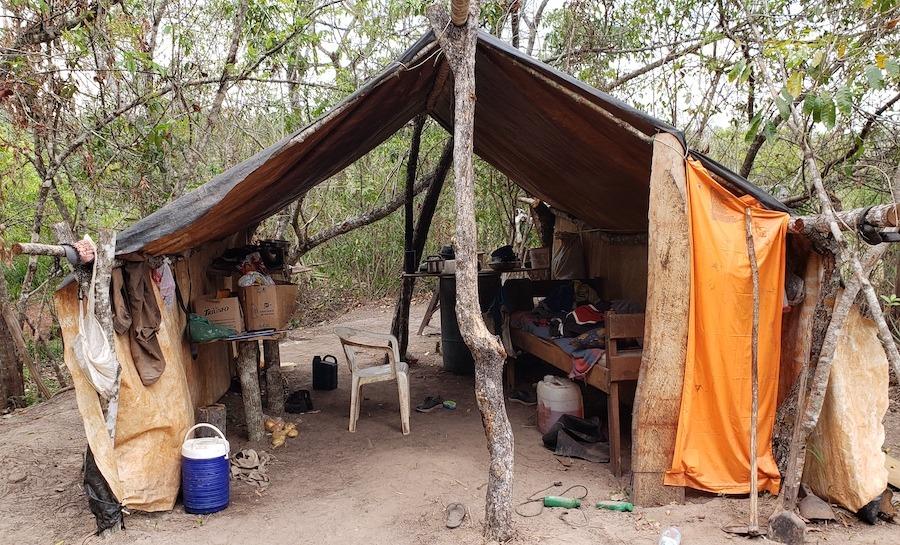 Alojamento em fazenda de Bela Vista. Foto: Polícia Millitar Ambiental