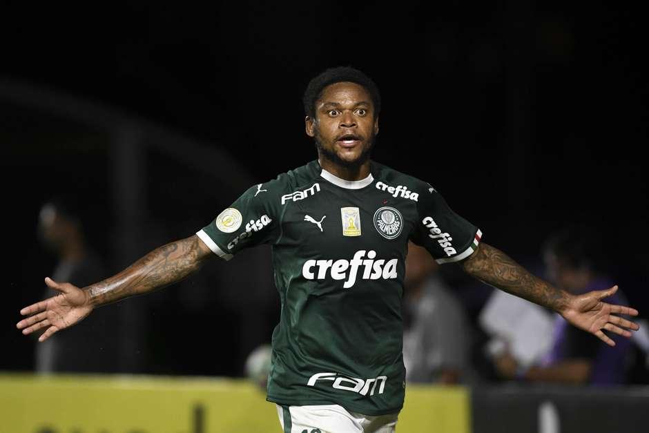 Luiz Adriano marcou o gol da vitória palmeirense. Foto: Celso Pupo / Foto Arena / Estadão