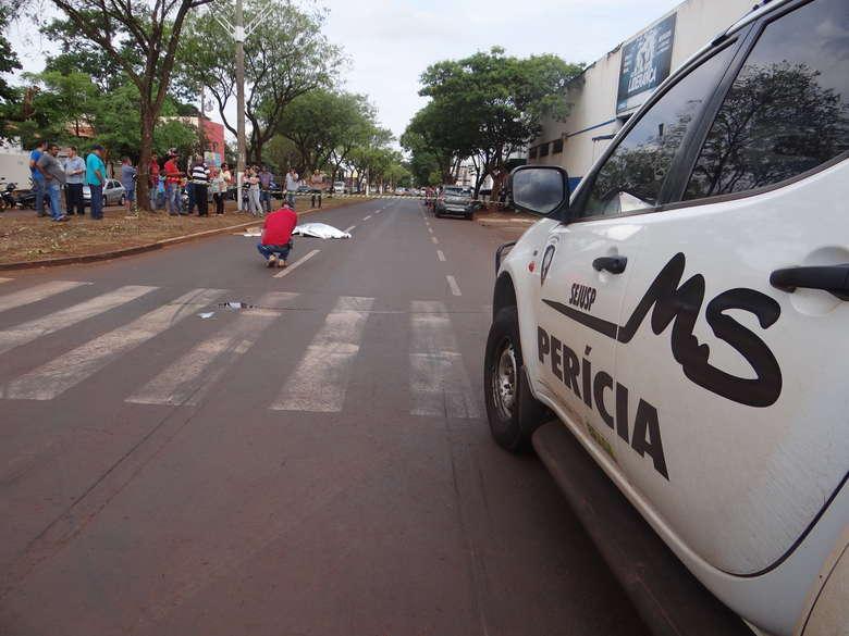Mulher morreu ao ser atropelada em avenida - Crédito: Osvaldo Duarte/Dourados News