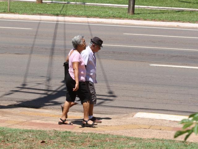 Em média, aposentado sul-mato-grossense recebe R$ 1.216,55 (Foto: Marcos Maluf)