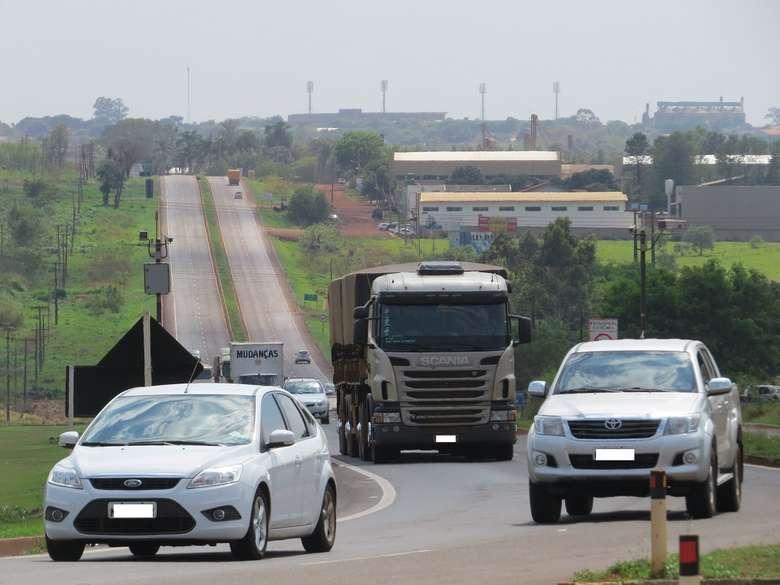 Veículos pesados terão restrição de tráfego nas BR's de MS - Crédito: Arquivo/Adriano Moretto/Dourados News
