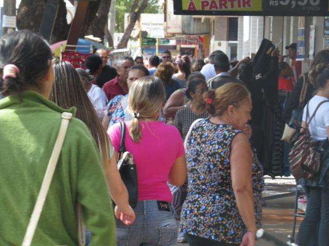 Taxa de desocupação no Estado é de 7,5%, segundo o IBGE - Crédito: Arquivo/Dourados News (adsbygoogle = window.adsbygoogle || []).push({}); SAIBA MAIS DOURADOS Comércio de rua e shopping devem abrir mais de 300 vagas temporárias para o final de ano