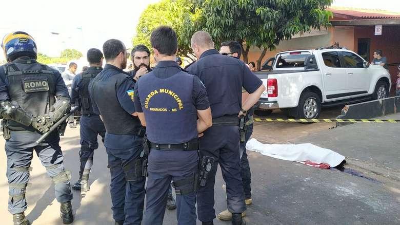 Homem morreu após ser baleado por agente da Guarda Municipal de Dourados em outubro - Crédito: Adilson Domingos/Arquivo (adsbygoogle = window.adsbygoogle || []).push({}); SAIBA MAIS CONFUSÃO Homem morre em confronto com a Guarda Municipal de Dourad