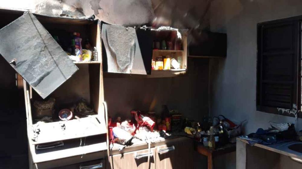 Casa ficou totalmente destruída (Via Whats App)