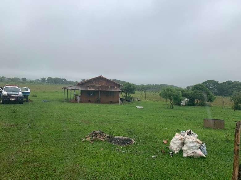 Apontado como líder do novo cangaço foi morto em área rural de MS - Crédito: Ligado na Redação (adsbygoogle = window.adsbygoogle || []).push({}); SAIBA MAIS VIOLÊNCIA URBANA Armados com fuzis, homens assaltam carro-forte na MS-156 MS-156 Bandidos