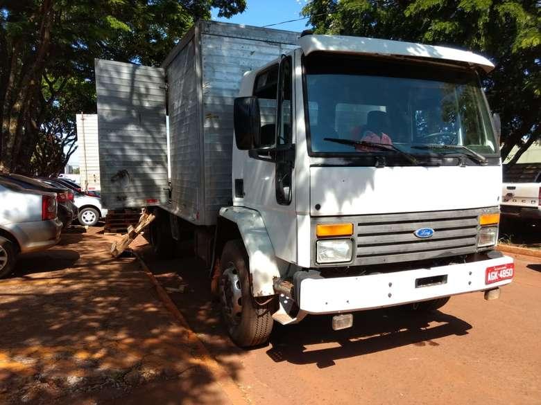 Droga estava escondida em fundo falso da carroceria de caminhão - Crédito: Osvaldo Duarte/Dourados News