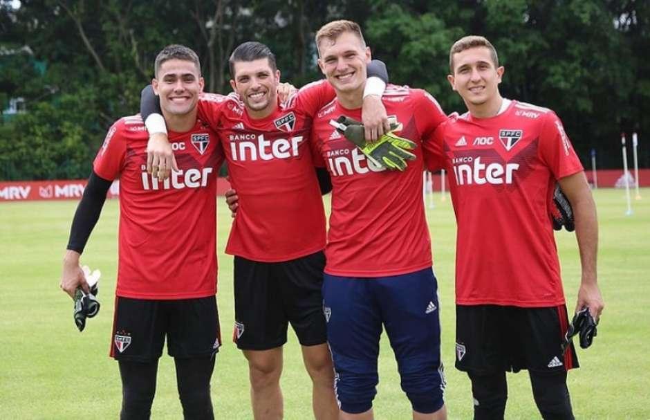 Júnior, Tiago Volpi, Lucas Perri e Thiago Couto: os goleiros do São Paulo em 2020 (Foto: Rubens Chiri/saopaulofc.net) Foto: Lance!
