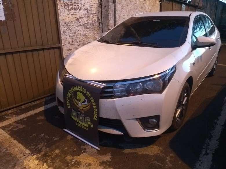 Homens estavam em carro abordado pelo DOF - Crédito: Divulgação/DOF