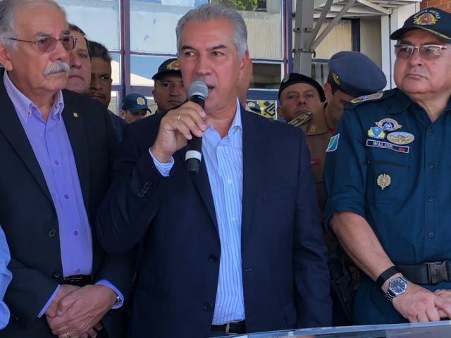 Governador discursou durante entrega de viaturas no Palácio Tiradentes (Foto: Jones Mário)