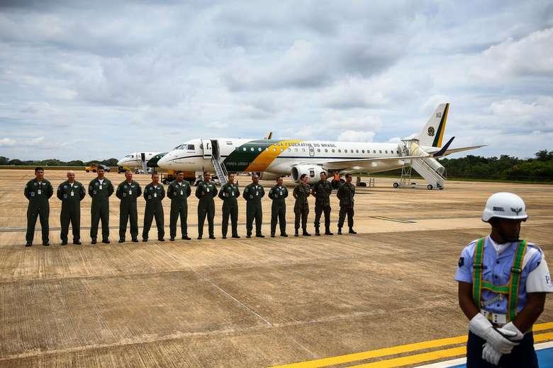 Tripulação e passageiros ficarão em quarentena após retorno ao Brasil - Crédito: Marcelo Camargo/Agência Brasil