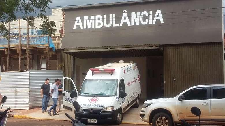 Ex-prefeito não resistiu aos ferimentos - Crédito: Hedio Fazan/Dourados News (adsbygoogle = window.adsbygoogle || []).push({}); SAIBA MAIS POLÍCIA Ex-prefeito de Amambai Dirceu Lanzarini é ferido a tiros em atentado ATENTADO Ex-prefeito de Amambai