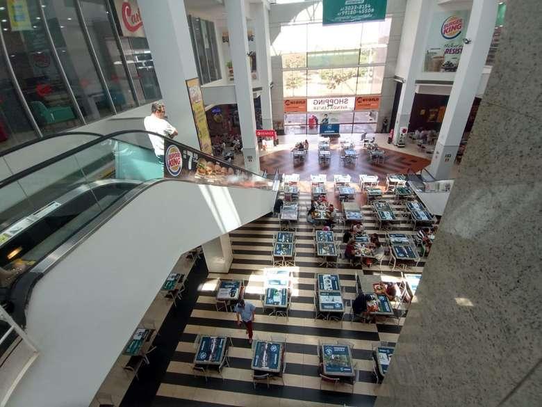 Praça de alimentação do Shopping Avenida Center Dourados - Crédito: Wender Carbonari/Dourados News/Arquivo