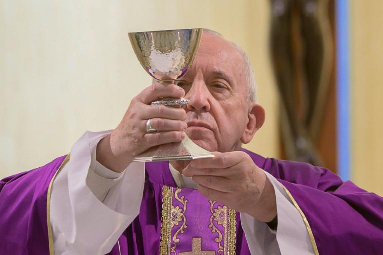 A bênção papal do átrio de São Pedro será especialmente seguida na América Latina, o continente onde reside o maior número de católicos e terra do pontífice Francisco, nascido na Argentina - Vatican Media/AFP