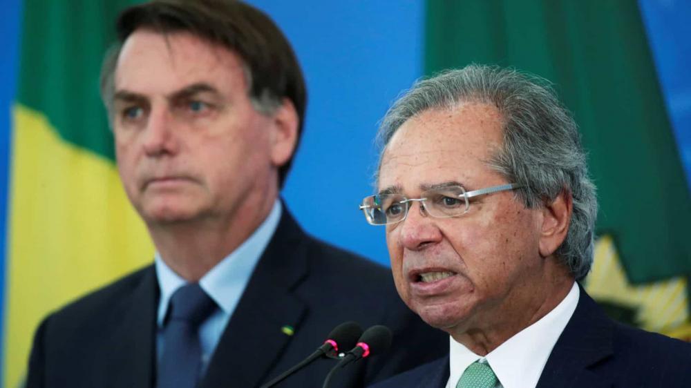 Homem que decide economia se chama Paulo Guedes, diz Bolsonaro