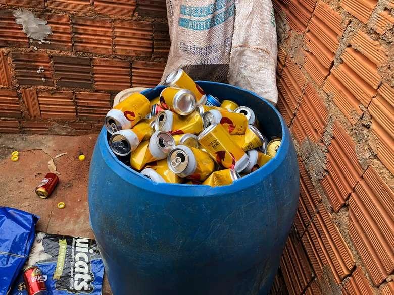 Trio é preso após 'furar' decreto e organizar farra com música alta e regada a cerveja