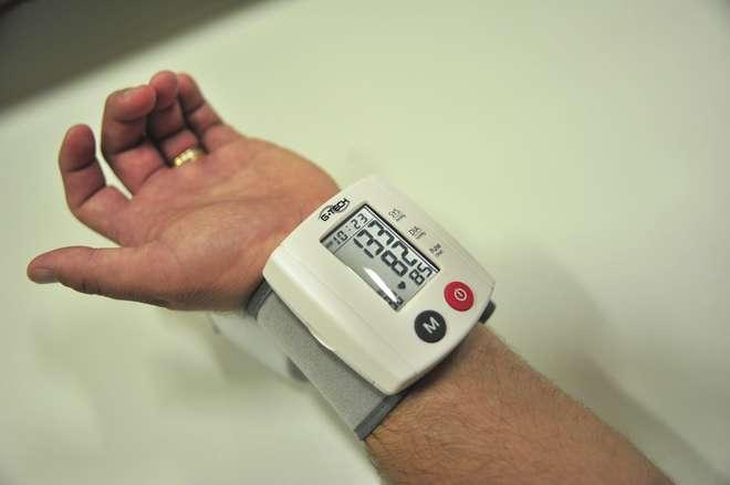 Pressão alta: siga 10 passos para controlar o sintomas