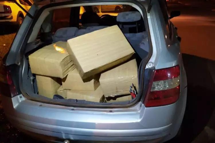 Fardos de maconha encontrados dentro do carro. - Crédito: (Ponta Porã News)