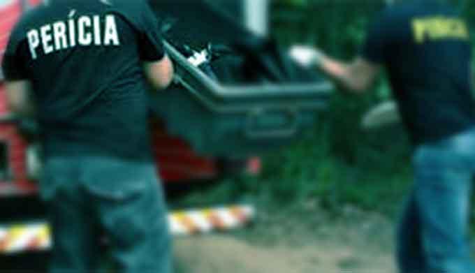 Casal é encontrado morto dentro de casa e ex-namorado da mulher é principal suspeito