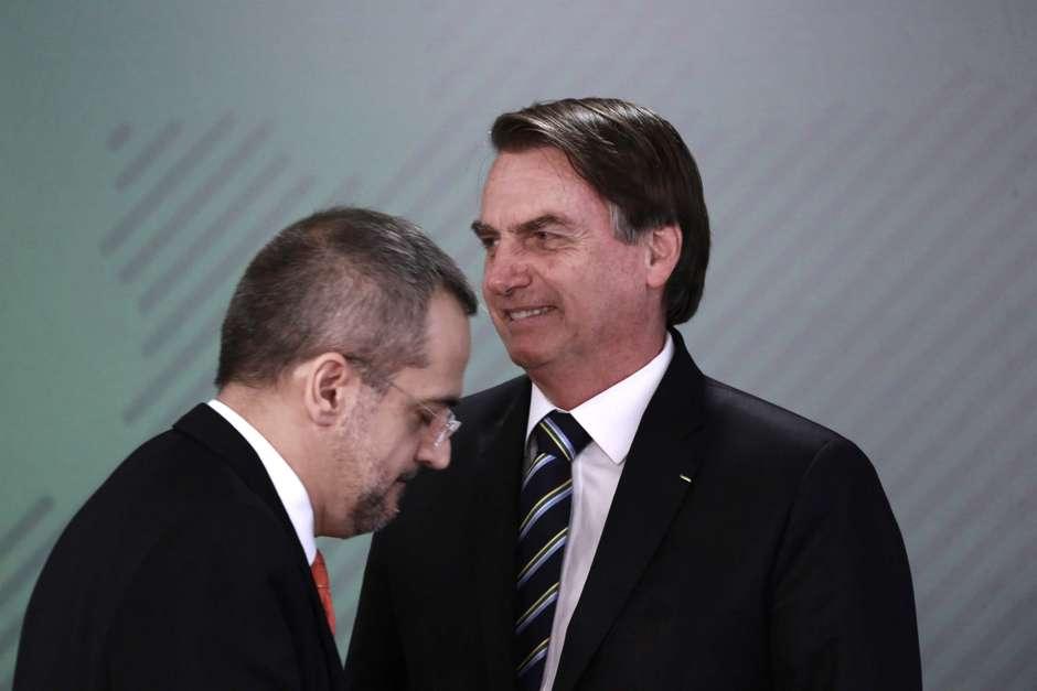 Bolsonaro afirma que Weintraub 'extrapolou' em reunião Foto: Fátima Meira / Futura Press