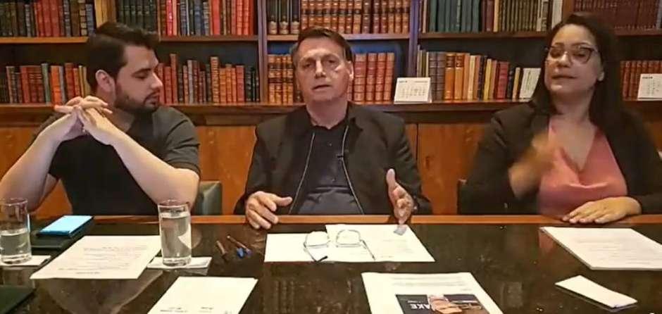 Bolsonaro incentiva invasão de hospitais para filmar leitos