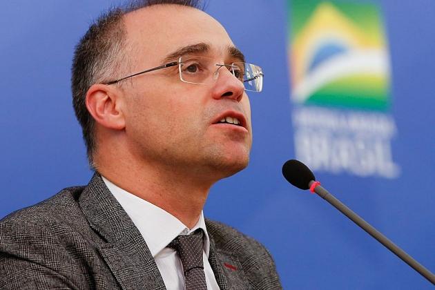 André Mendonça diz que democracia pressupõe respeito às instituições