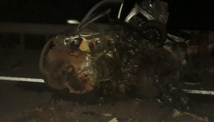 Acidente entre utilitário e caminhão deixa três mortos em MS