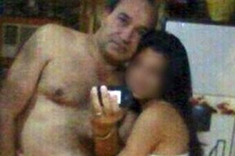 2daaaa87a Diretor de escola no Paraguai aparece em foto com aluna menor só de ...