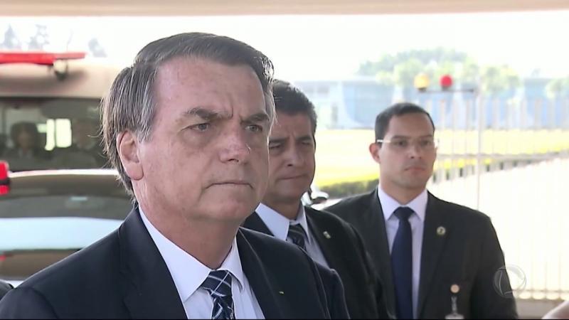 Bolsonaro diz que não conversa com chefes de Estado que queiram 'tutelar' o Brasil
