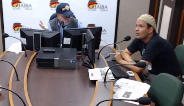 Jornalista se demite ao vivo após entrevista de Bolsonaro em rádio