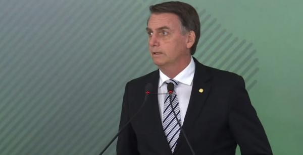Bolsonaro planeja revogar atos do fim do governo Temer